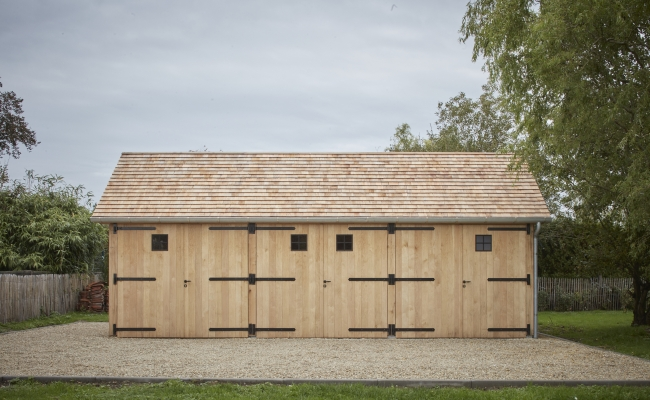 Garage in eik